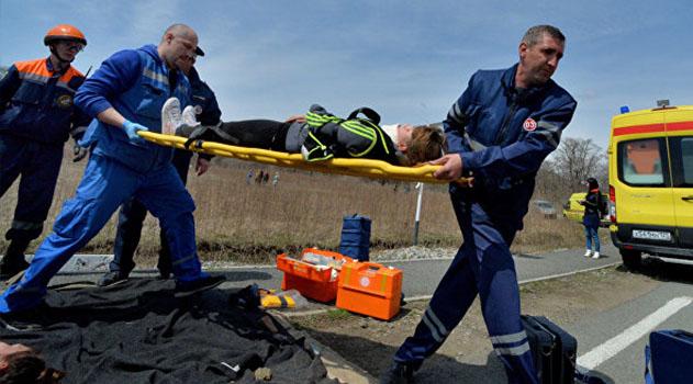 Два человека погибли в столкновении микроавтобуса и ВАЗа под Евпаторией