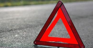 В Крыму иномарка сбила столб электроопоры