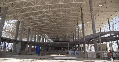 vlasti-budut-kontrolirovat-podvedenie-kommunikatsij-k-novomu-terminalu-aeroporta-simferopol-nahlupin