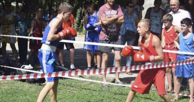 den-fizkulturnika-v-simferopole-sobral-lyubitelej-sporta-vseh-vozrastov