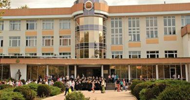 studentam-kfu-hotyat-vydavat-diplomy-mgu