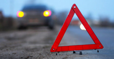 В Крыму за сутки спасатели дважды деблокировали людей из авто при ДТП