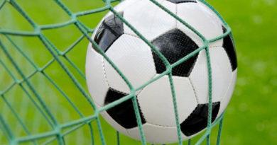 komandy-iz-gvardejskogo-i-yalty-posle-chetyryoh-turov-vozglavili-tablitsu-futbolnogo-chempionata-kryma-sredi-lyubitelej
