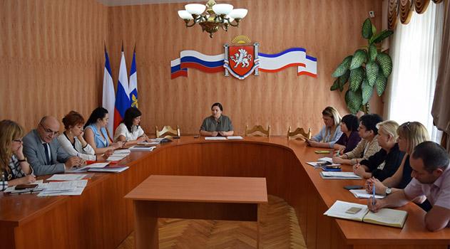 v-administratsii-goroda-obsudili-podgotovku-k-provedeniyu-vyborov-po-okrugu-14