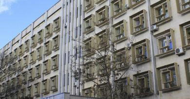 v-yaltinskoj-poliklinike-remontiruyut-lifty-i-uvelichivayut-kolichestvo-okoshek-dlya-zapisi-patsientov