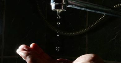 bolee-5-tysyach-chelovek-v-simferopole-i-sakah-ostalis-bez-vody