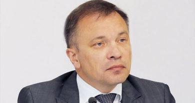ministr-ekonomrazvitiya-kryma-poobeshhal-razobratsya-s-avarijnym-mnogokvartirnym-domom-i-klubom-v-sele-dolinnoe