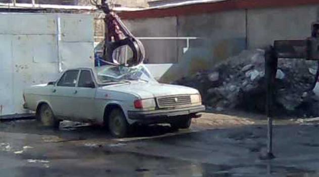 v-sevastopole-hotyat-utilizirovat-sotni-avtomobilej-stoyashhih-na-shtrafploshhadke