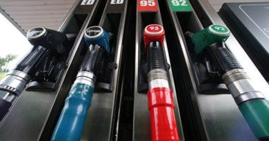 benzin-po-oseni-schitayut-pochemu-v-rossii-vzleteli-tseny-na-toplivo