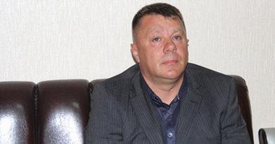 http://krimsegodnya.ru/novosti/krymskie-parlamentarii-lishili-osuzhdennogo-kollegu-grinevicha-deputatskih-polnomochij.html