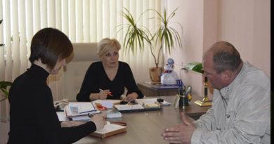 krymskij-detskij-ombudsmen-rasskazala-deputatam-o-problemah-s-vyplatami-posobij-opekunam-detej-invalidov