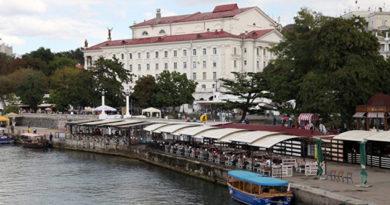 sevastopolskij-port-planiruet-organizovat-stoyanku-i-obsluzhivanie-yaht