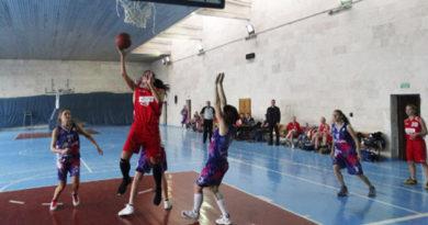 Симферопольские команды победили в третьем туре женского баскетбольного чемпионата Крыма