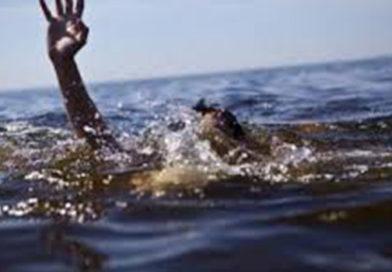 Евпаторийские спасатели оказали помощь упавшему с пирса в море мужчине