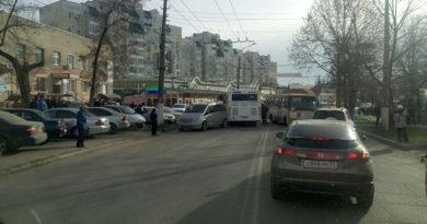 aksenov-prikazal-do-kontsa-yanvarya-osvobodit-simferopol-ot-probok