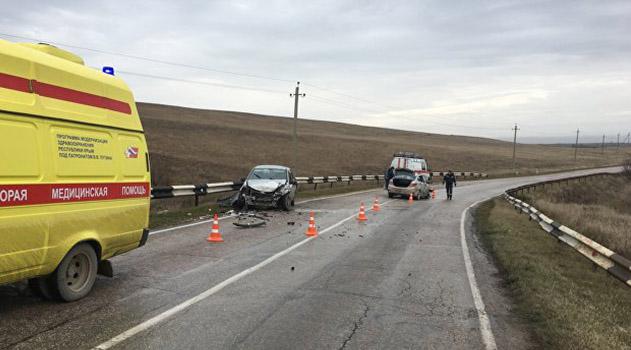 tri-cheloveka-postradali-v-avarii-pod-belogorskom