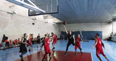 komanda-kfu-vernulas-v-lidery-muzhskogo-basketbolnogo-chempionata-kryma-blagodarya-pobede-nad-evpatorijtsami