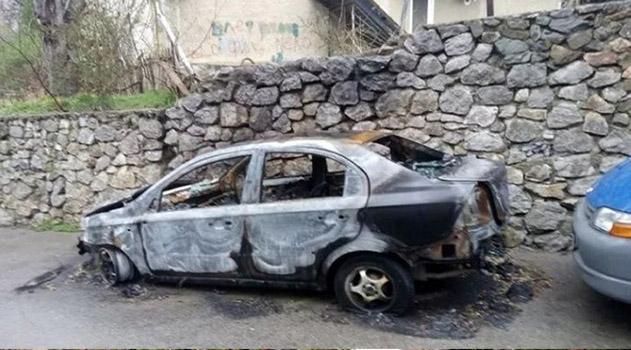 v-gurzufe-obyavilis-podzhigateli-avtomobilej