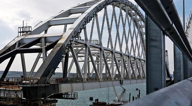 dvizhenie-po-krymskomu-mostu-otkroyut-vo-vtoroj-polovine-maya