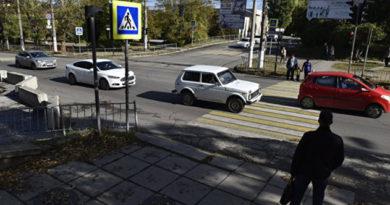 pod-kolesami-avto-v-simferopole-pogib-chelovek