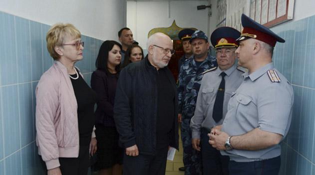 posle-serii-samoubijstv-sizo-simferopolya-posetil-sovetnik-prezidenta-rf