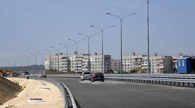 avtopodhod-k-krymskomu-mostu-so-storony-kerchi-postroen-vlasti