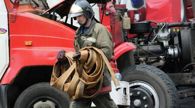 v-shhelkino-gorelo-obshhezhitie-zhiltsov-evakuirovali