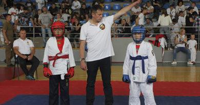 yaltinskie-sportsmeny-zavoevali-19-medalej-na-turnire-po-armejskomu-rukopashnomu-boyu