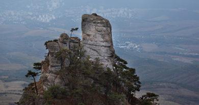 v-gorah-kryma-turistka-slomala-nogu