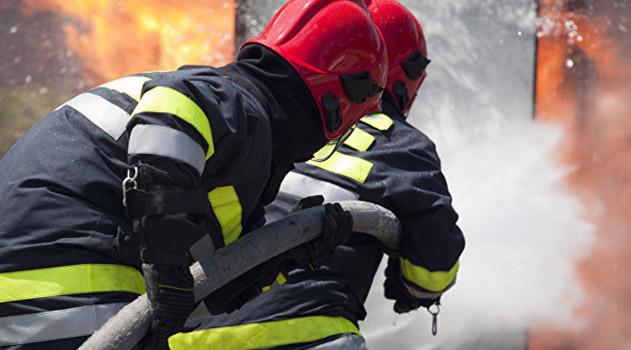 v-krymu-na-pozhare-spasli-troih-i-evakuirovali-eshhe-45-chelovek
