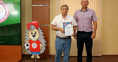 yunye-yaltinskie-futbolisty-zanyali-trete-mesto-po-respublike-krym-v-sezone-2017-2018