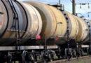 Крымчанам сказали ждать поезда, бензин сразу подешевеет на рубль