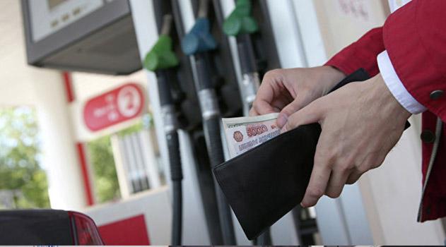 v-schetnoj-palate-rf-predupredili-o-rezkom-roste-tsen-na-benzin-v-2019-godu