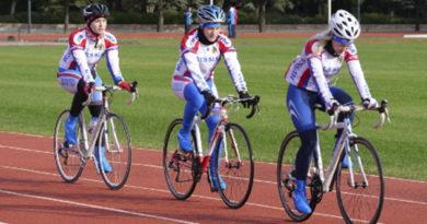 sbornaya-rossii-po-velosportu-bmx-race-treniruetsya-v-alushte
