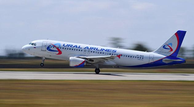В Уфе самолет с пассажирами ударился хвостом о взлетную полосу