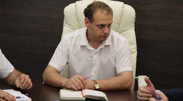 glava-administratsii-i-predsedatel-gorsoveta-feodosii-napisali-zayavleniya-ob-uvolnenii