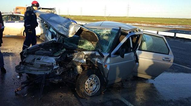 На трассе в Крыму не разъехались два авто: пострадали шесть человек