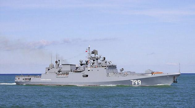 fregat-chernomorskogo-flota-admiral-makarov-zashel-v-port-kipra