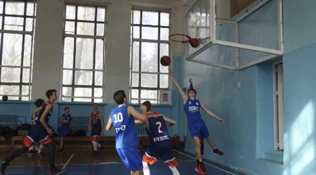 simferopoltsy-posle-shestogo-tura-stali-liderami-yunosheskogo-basketbolnogo-pervenstva-kryma