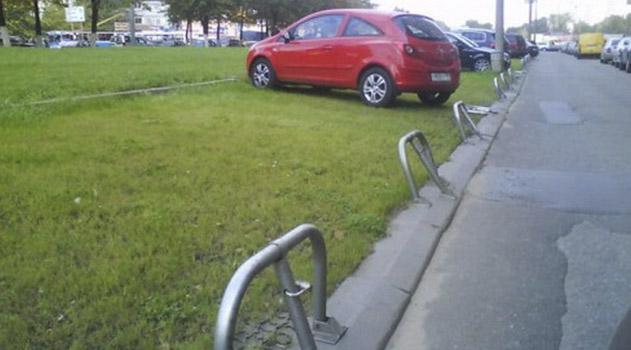 34-voditelya-oshtrafovali-v-simferopole-za-parkovku-na-zelenoj-zone-i-trotuare
