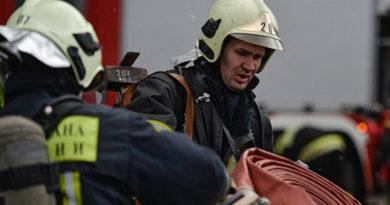 evakuatsiya-zhiltsov-iz-za-televizora-v-feodosii-gorela-kvartira-v-mnogoetazhke