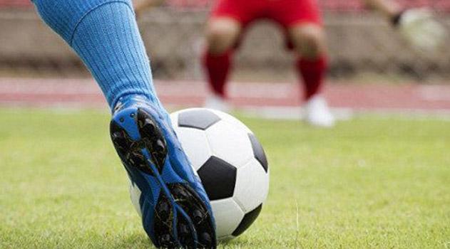 v-simferopole-startoval-turnir-po-dvorovomu-futbolu