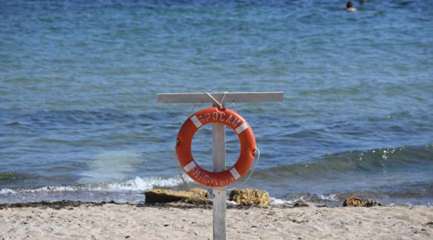 v-krymu-podrostka-uneslo-v-otkrytoe-more