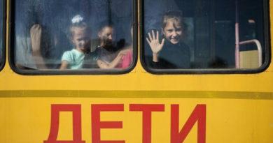 podarok-k-uchebnomu-godu-shkoly-kryma-poluchili-27-novyh-avtobusov