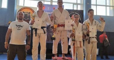 yaltinskij-sportsmen-pobedil-na-vserossijskom-yunosheskom-turnire-po-dzhiu-dzhitsu