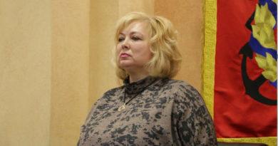 Глава горсовета Керчи и ее зам уволены после скандала с блокадниками
