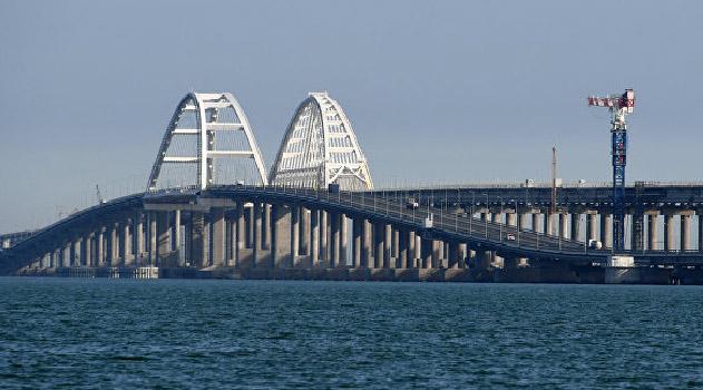 krym-zakryvaetsya-na-karantin-na-krymskom-mostu-ustanovyat-blokpost