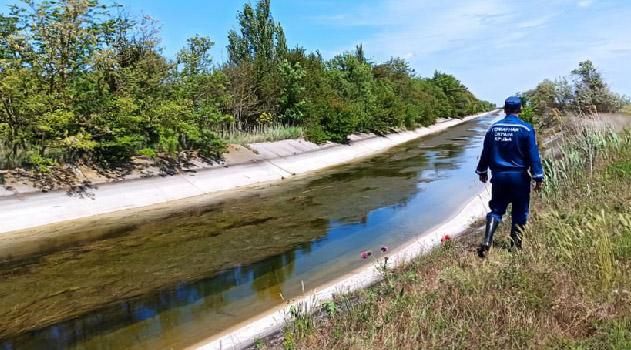 vodolazy-nashli-telo-propavshej-devochki-na-dne-severo-krymskogo-kanala