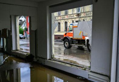 В результате наводнений в Германии погибли более 100 человек